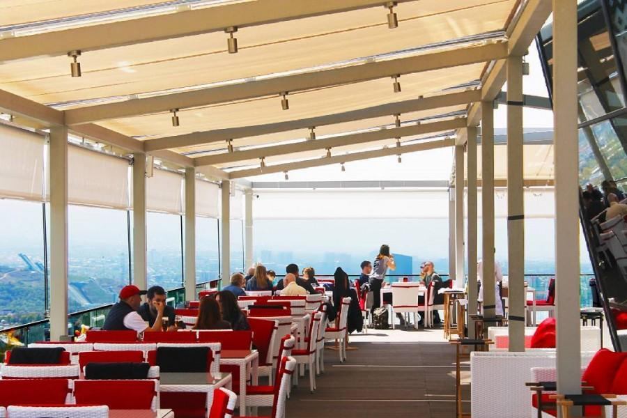 Летняя терраса ресторана Abay